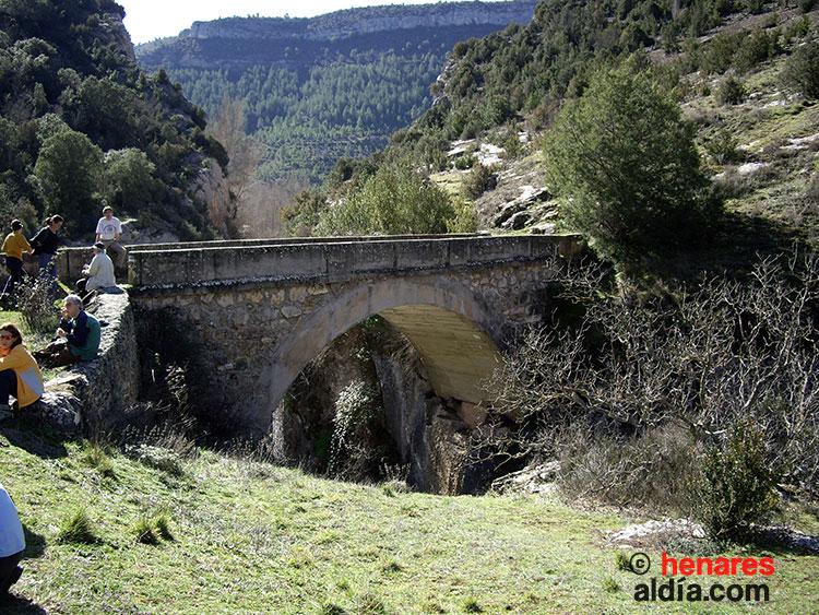 """Puente de Tagüenza, también conocido como el """"Camino de los Pelayos""""."""