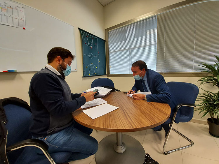 Riendas (AIKE) se reúne con Zapata para hablar de sus propuestas deportivas