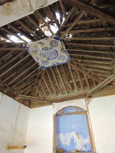 Vista actual del artesonado y del altar