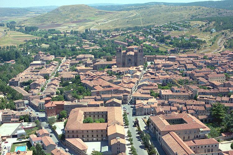 Panorámica de Sigüenza. Foto de Antonio López Negredo.