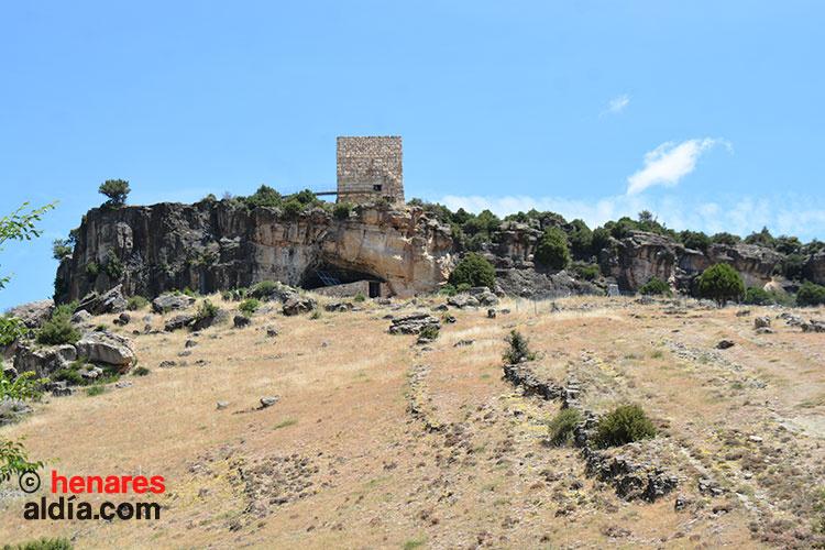 Cueva de «Los Casares» en Riba de Saelices