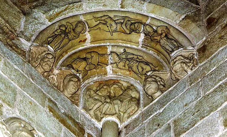 Trompa con escena de música y danza, catedral de Sigüenza. Foto de Alfonso Romo, con retoque digital de Víctor Martínez