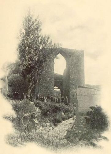 Arco de Cozagón, quizá la imagen más significativa de Brihuega