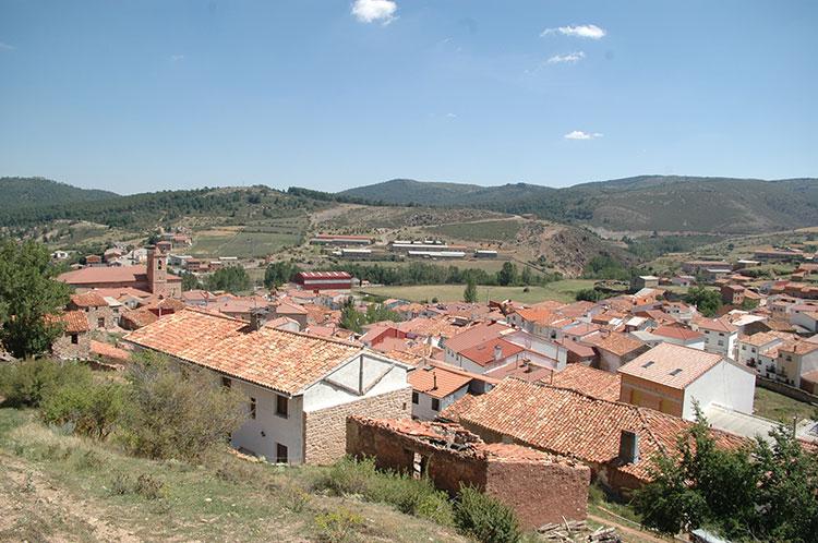 En la pequeña localidad de Checa tuvo lugar el nacimiento de don Lorenzo Arrazola
