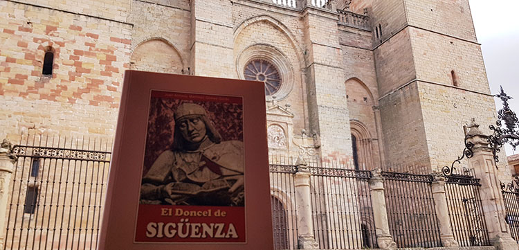 Numerosos escritores han dejado en el papel impronta de su actividad literaria relacionada con Sigüenza